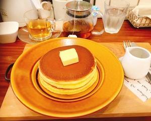 新宿御苑の近くでシンプルパンケーキ♪