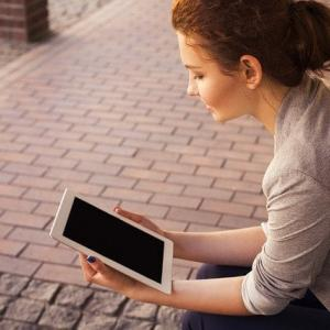 楽に仕事を探すなら転職エージェント!複数に登録すべき理由。