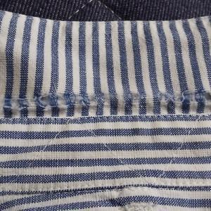 シャツの襟のダメージ。 お気に入りのシャツは「捨てない」で繕います。