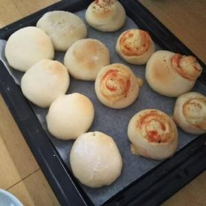 お昼はパン