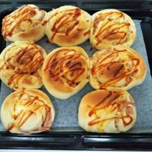 ハムオニオンチーズパン