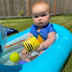 人生初の水遊び。