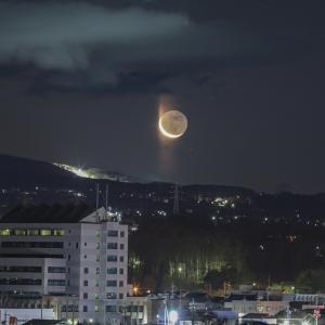 ムーンピラー的な月の出
