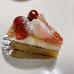 ケーキと今日のホテルさん
