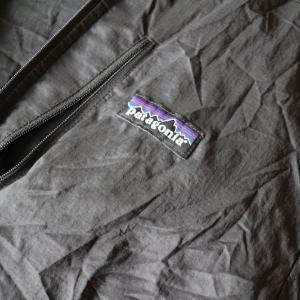 【レビュー】使い勝手最高!パタゴニアのフーディニジャケット