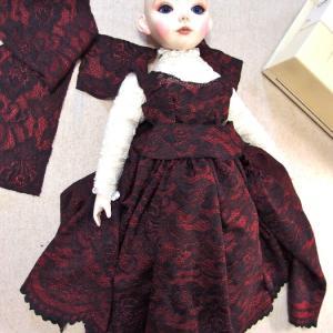 赤いドレスを製作中~~♪^^