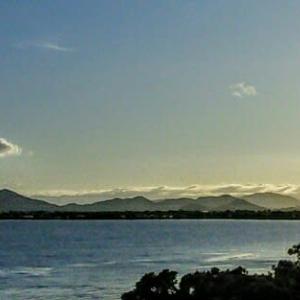 幸いかな夏→秋へ!日の出位置・三角山・長命寺から随分右へ・・・