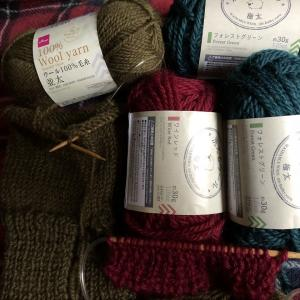 洗えるウールのクリスマス色で編み始め