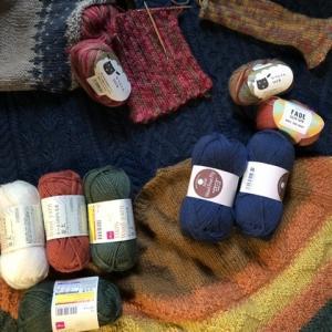 ウール100%毛糸で秋色を編みたい🧶