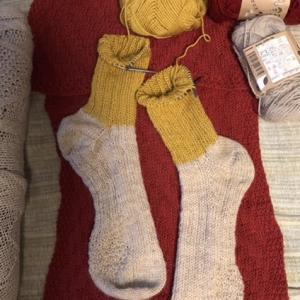 黄色い足首の靴下が編めそう🧦🧶