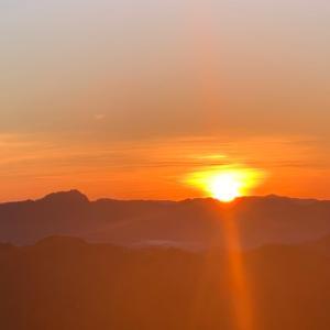 番外67.尺丈山から秋分の日の出を見た