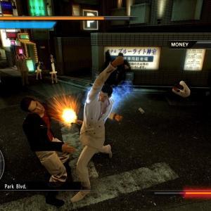 【今更】Xbox One「Yakuza 0(龍が如く0)」が国内向けに配信開始、なお北米版のベタ移植で英語表記のままw
