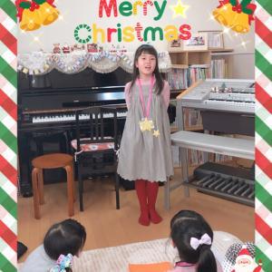 クリスマス会②エレクトーンで【ホール・ニューワールド】