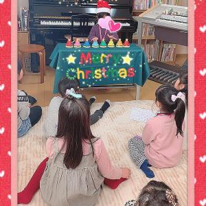 幼稚園に通う生徒さん(^^)始めてのベル演奏