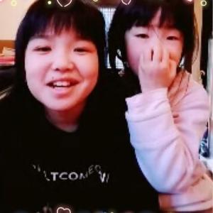 オンラインでピアノグレードの準備を頑張っている姉妹の生徒さん(^^)