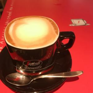 カフェで休憩。