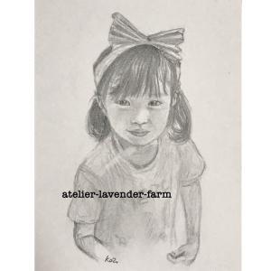 お誕生日に募集されていた肖像画〜鉛筆画の女の子❤️