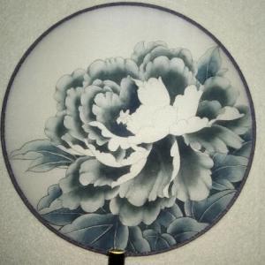 絹団扇工筆牡丹画の描き方