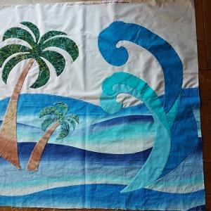 ハワイアンタペストリー(波とヤシの木出来ました)♪