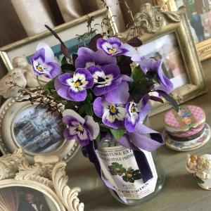 うす紫のすみれのブーケ