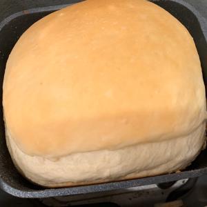 残りご飯100グラムを入れて、ホームベーカリーで美味しいパン作り