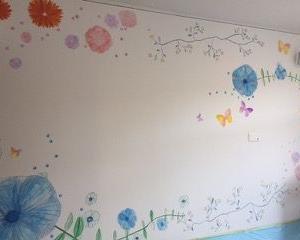 壁に絵を描いた
