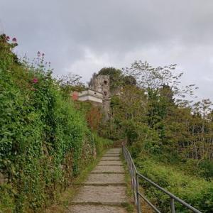北イタリアの旅38〜モンテロッソアルマーレ丘の上へ〜