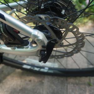 自転車ディスクブレーキにキックスタンドを付けたい。の巻