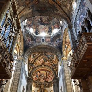 パルマ大聖堂イタリアのパン屋でお買い物