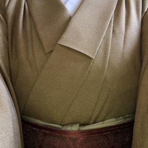 季節の変わり目胴抜きの着物で茶稽古