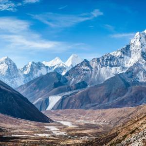 お友達のニムさんが冬季未踏の最後の8000m峰、K2 (8611m) 登頂に成功しましたーっ!