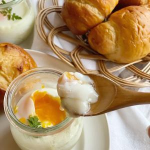 朝食にピッタリな、マッシュポテトと半熟卵の組み合わせ♬