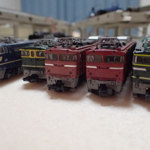 EF65-1124トワイライト色