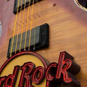 ラスベガス グルメ:テーマはロックミュージック Hard Rock Cafe Las Vegas(ハード ロック カフェ ラスベガス)