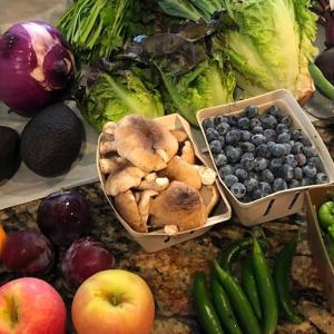 夏を感じる野菜&果物ボックスのデリバリー