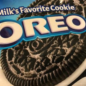 オレオ・クッキーの会社モンデリーズ(MDLZ)に投資