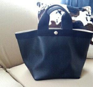 【エルベシャプリエ】バッグの中を整理して更に使いやすくするアイテム