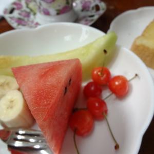 フルーツ 果物 朝ごはん トースト カモミールティー