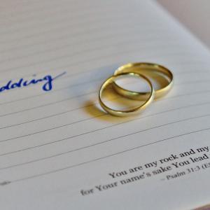 【メルカリ】高価な指輪出品は、やっぱり離婚!?