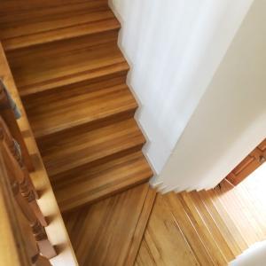 階段と床掃除