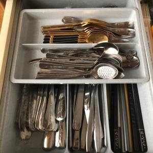 食器棚引き出し、思い込みをなくす