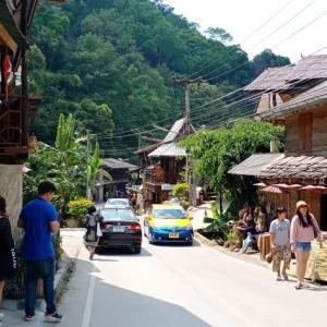 ウソかマコトか虚実混ぜ混ぜ そして中国人観光客の消えたメーガムポーン村へ