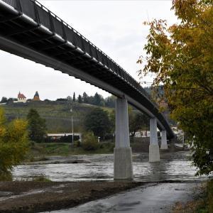 いいね:プラハ7区新トロヤ歩道橋(Trojska lavka)  [UA-125732310-1]