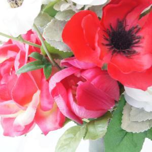 オフィスで楽しむ明るい春のお花!