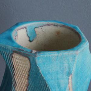 エメラルドブルーが美しい信楽焼の一点物花器
