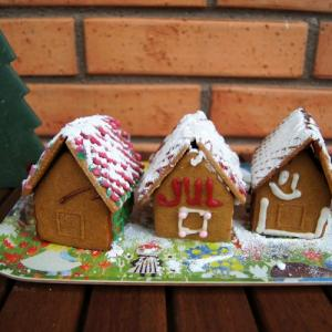 【スウェーデンのクリスマス】今年はミニ!ジンジャーブレッドハウス