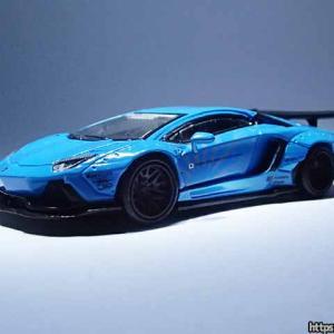 MINI GTのLB★WORKS ランボルギーニ・アヴェンタドールは柔か素材のドアミラーで安心