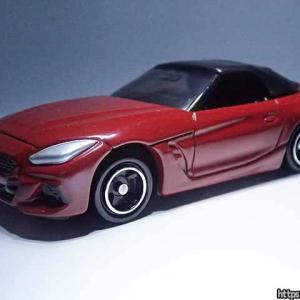BMW Z4の市販版とコンセプトカーの違いをトミカと東京モーターショー展示の車両とで比較
