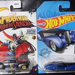 トイザらスでホットウィールのマーベル・スパイダーマン・マキシム・ヴェノムのテイル・ドラッガーと買い逃しのカスタム・キャデラック・フリートウッド