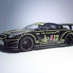 MINI GTの1/64LB★WORKS、NISSAN R35GT-RのJPSカラーミニカー